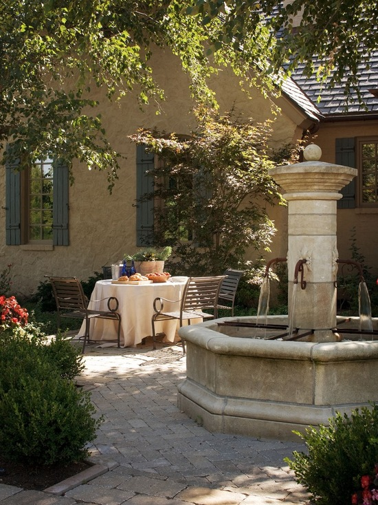 16 Landscaping Backyard Fountain Design Ideas
