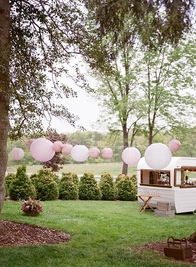 10-paper-lanterns-wedding-picnic-christina-mcneill