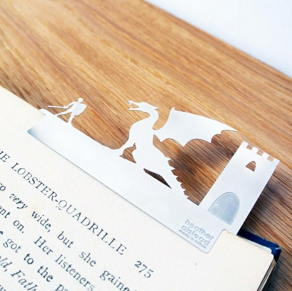 make bookmarks themselves from paper white