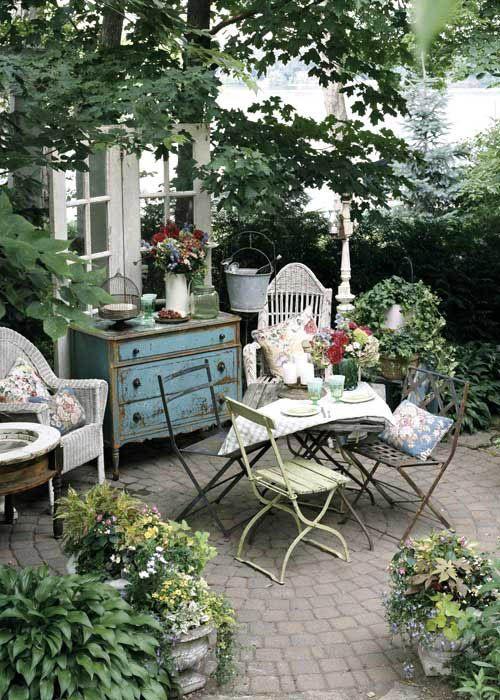 27 Shabby Chic Terrace And Patio Décor Ideas - Decor10 Blog