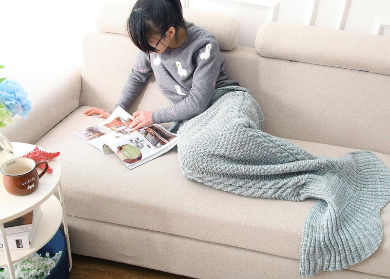 Blue Mermaid Tail Blanket designrulz (2)