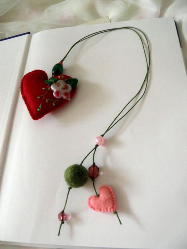 bookmarks do-it-yourself heart pattern