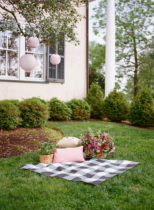 15-diy-gingham-picnic-blanket-christina-mcneill