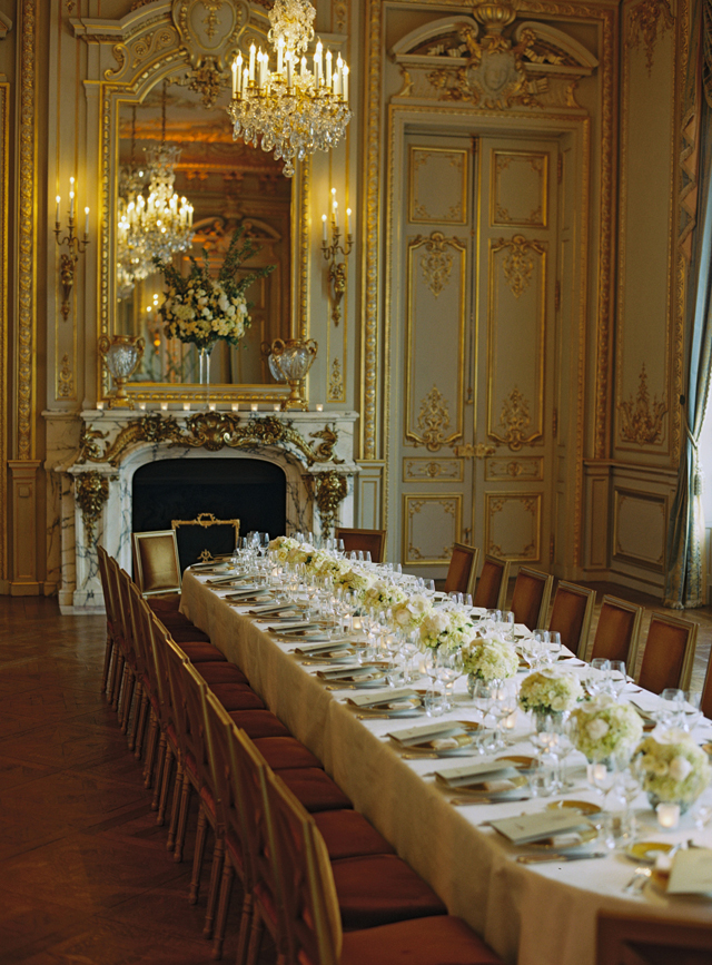 23-elegant-long-kings-table-paris