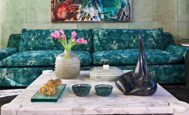 Iconic Living Room Projects by Kelly Wearstler Style your Cocktail Table How to Style your Cocktail Table with Elegance Room Decor Ideas Iconic Living Room Projects by Kelly Wearstler Luxury Interior Design 6