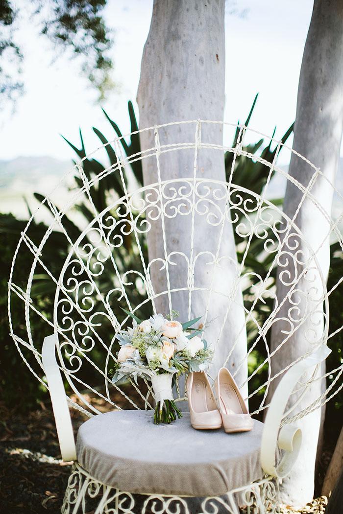 fallbrook-hacienda-boho-romantic-wedding-vintage-car-inspiration19