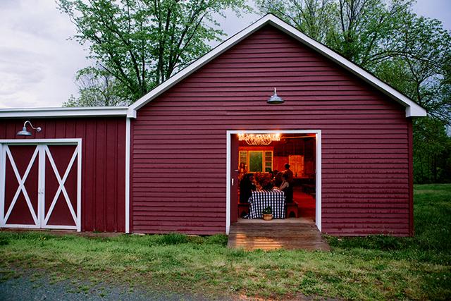 28-red-barn-charlottesville-yvette-roman