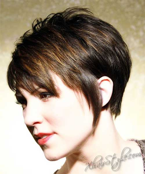 Short Hair Styles for Women Over 40-11