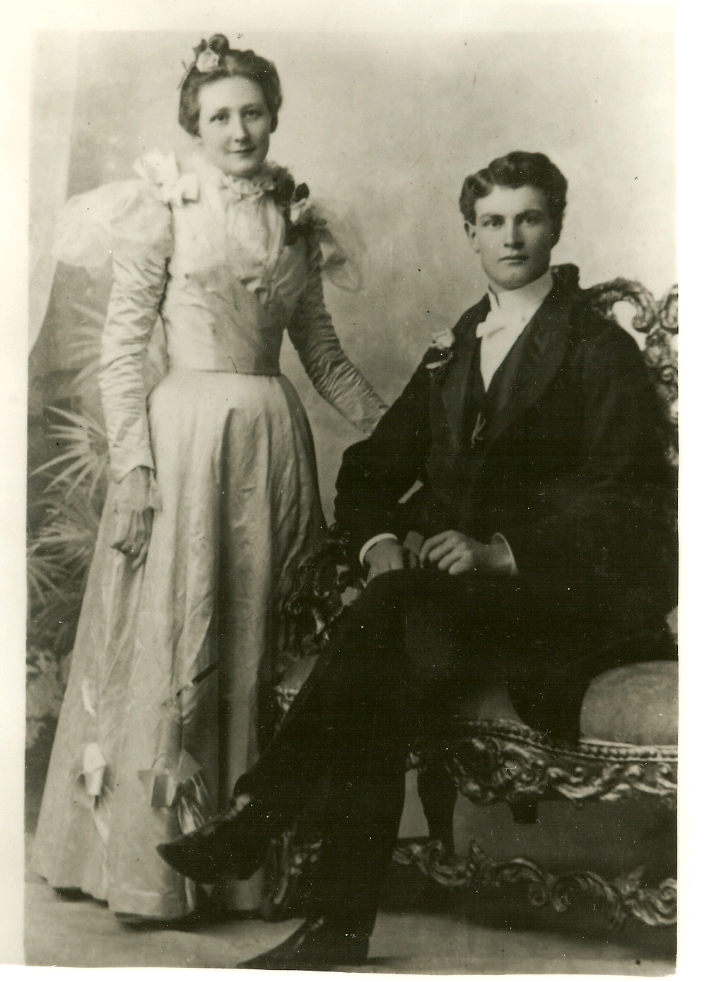 1890-Vintage-Bride-and-Groom