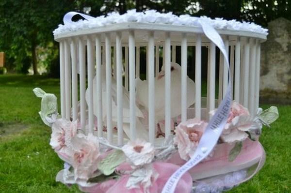 Wedding doves of Bräutingam can fly