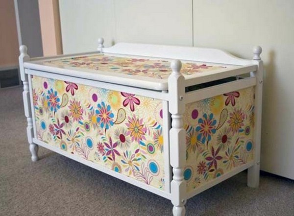 Toy boxes with many colorful flowers
