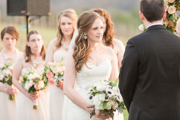 pippin-hill-farm-and-vineyards-virginia-rustic-elegant-wedding-inspiration05