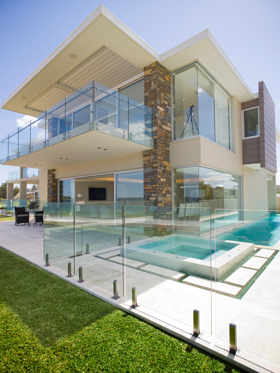 17 Stunning Glass Balcony House Design Ideas