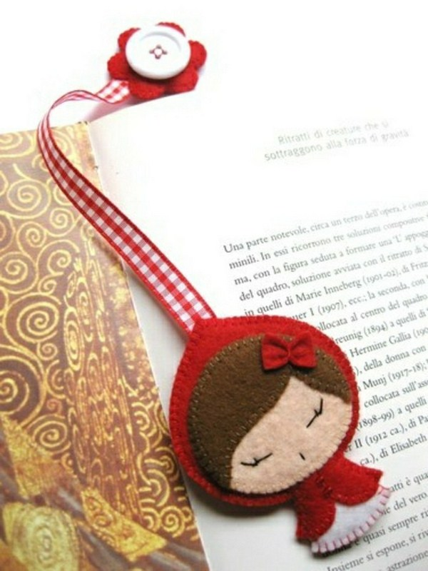 Bookmark do it yourself from plastic button