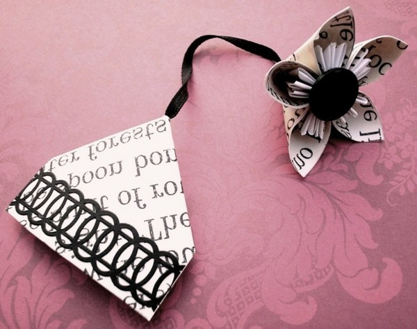 bookmarks make origami tinker nicely in white and black