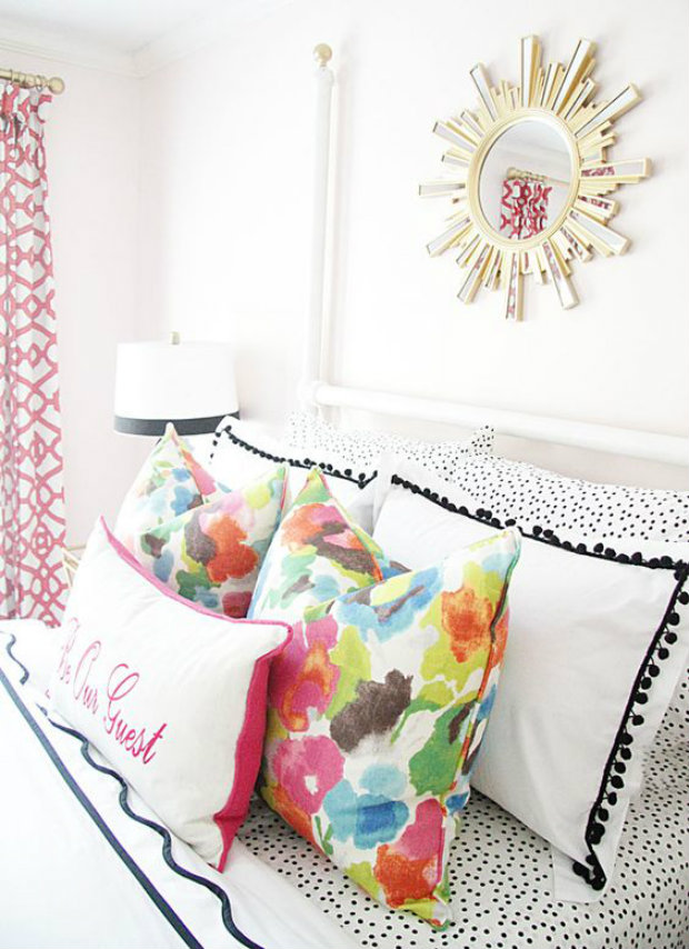 The summer decor in this bright bedroom add a flirty a carefree touch. Summer Bedroom Ideas Inspirational Summer Bedroom Ideas summerbedrooms2 koket love happens