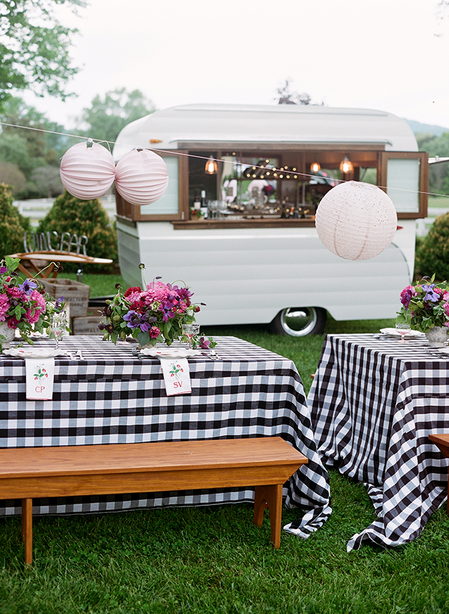 13-black-white-gingham-linen-benches-farm-table-bbq-gayle-brooker