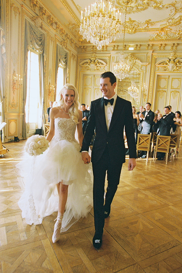 17-bride-groom-recessional-paris