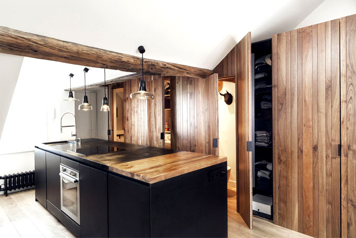 loft-paris-exposed-wooden-beams-15
