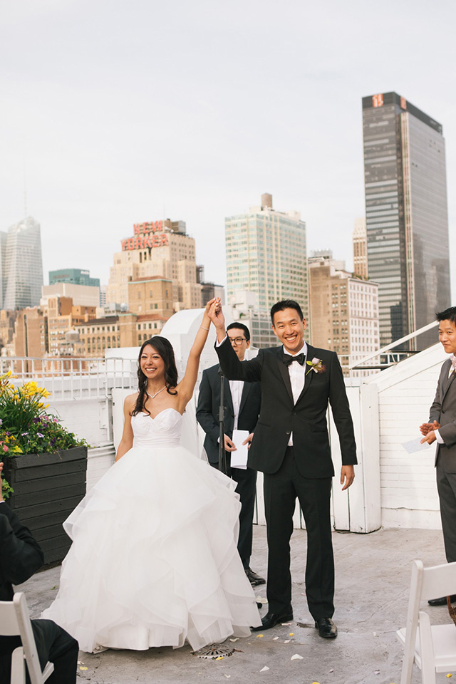 6-rooftop-wedding-nyc-bride-groom