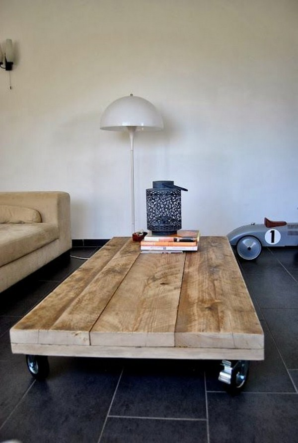 coffee table pallets build on roll itself