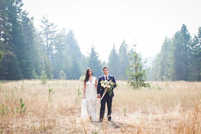 pine-river-ranch-washington-rustic-forest-blue-wedding-inspiration30