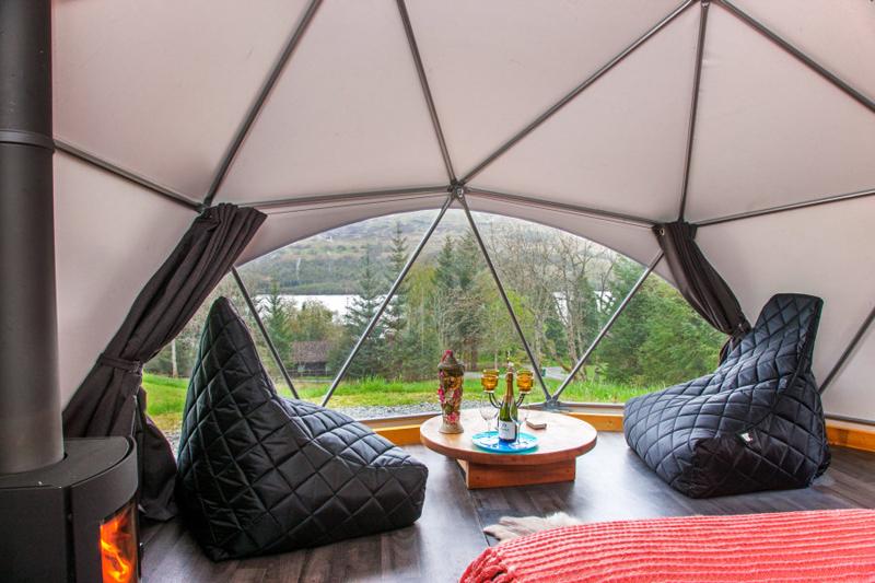 Glamping Domes (9)