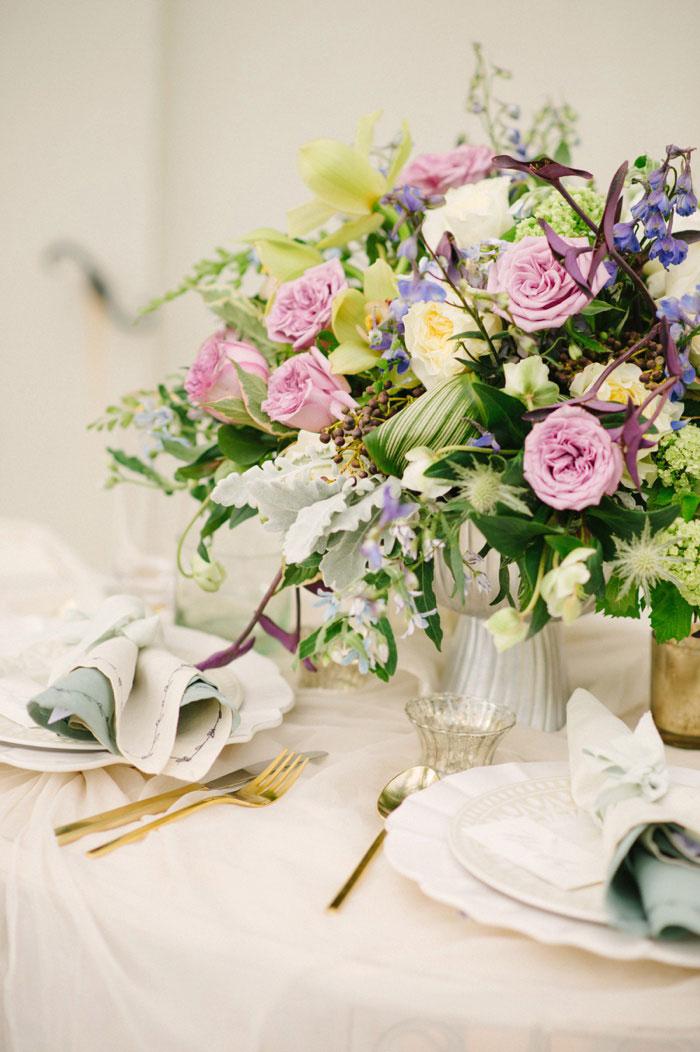 french-quarter-new-orleans-romantic-old-world-lavender-wedding-inspiration07