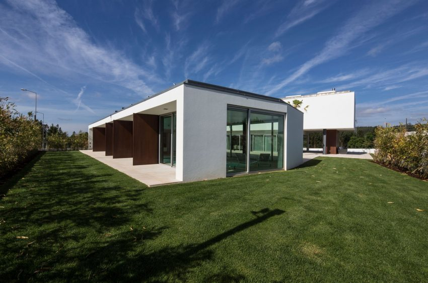 P.L. House by Atelier J. A. Lopes da Costa (3)