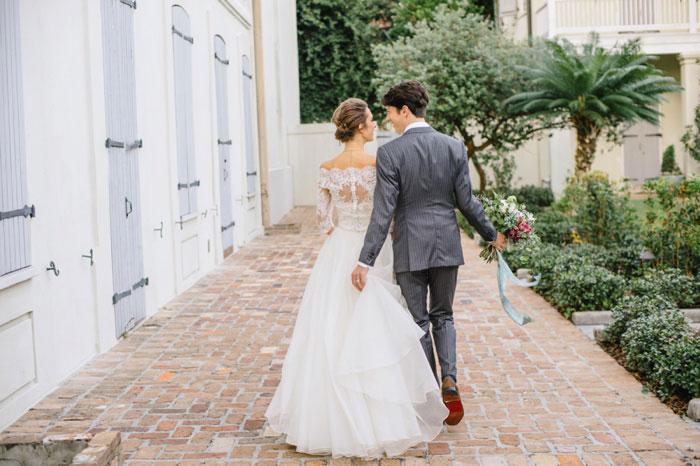 french-quarter-new-orleans-romantic-old-world-lavender-wedding-inspiration44