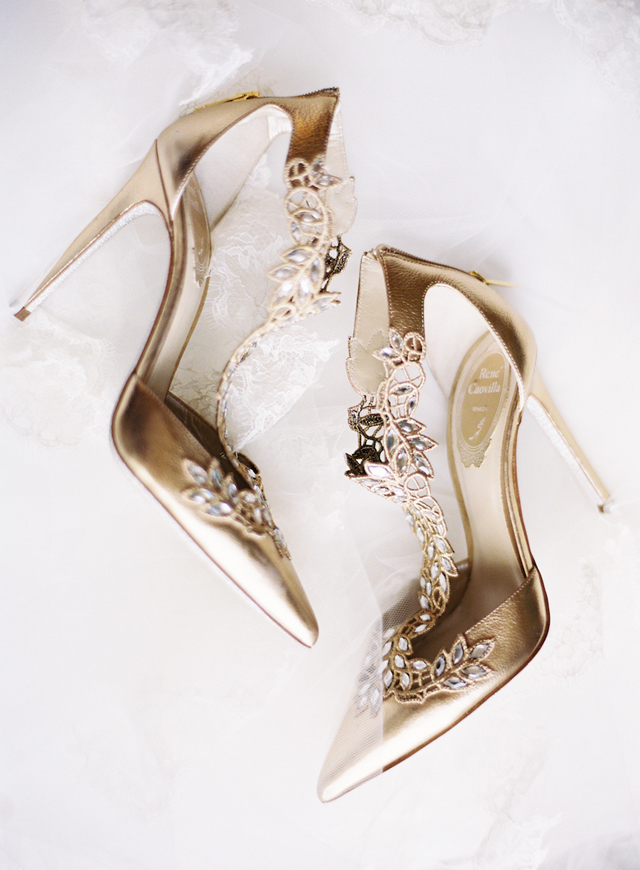 1-gold-lace-pumps-rene-Caovilla