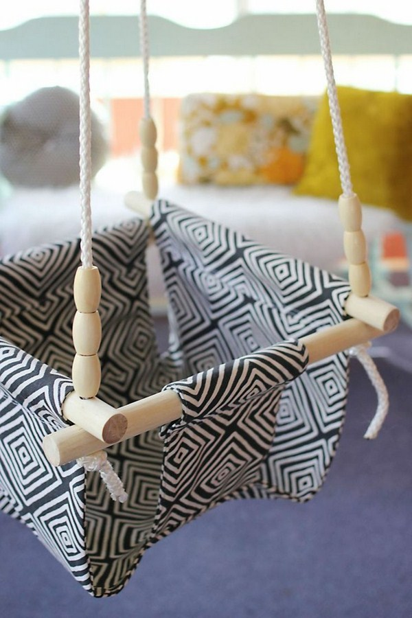 Children's swing in fabric in black and white