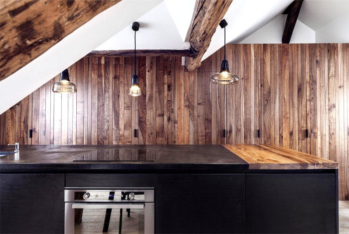 loft-paris-exposed-wooden-beams-4