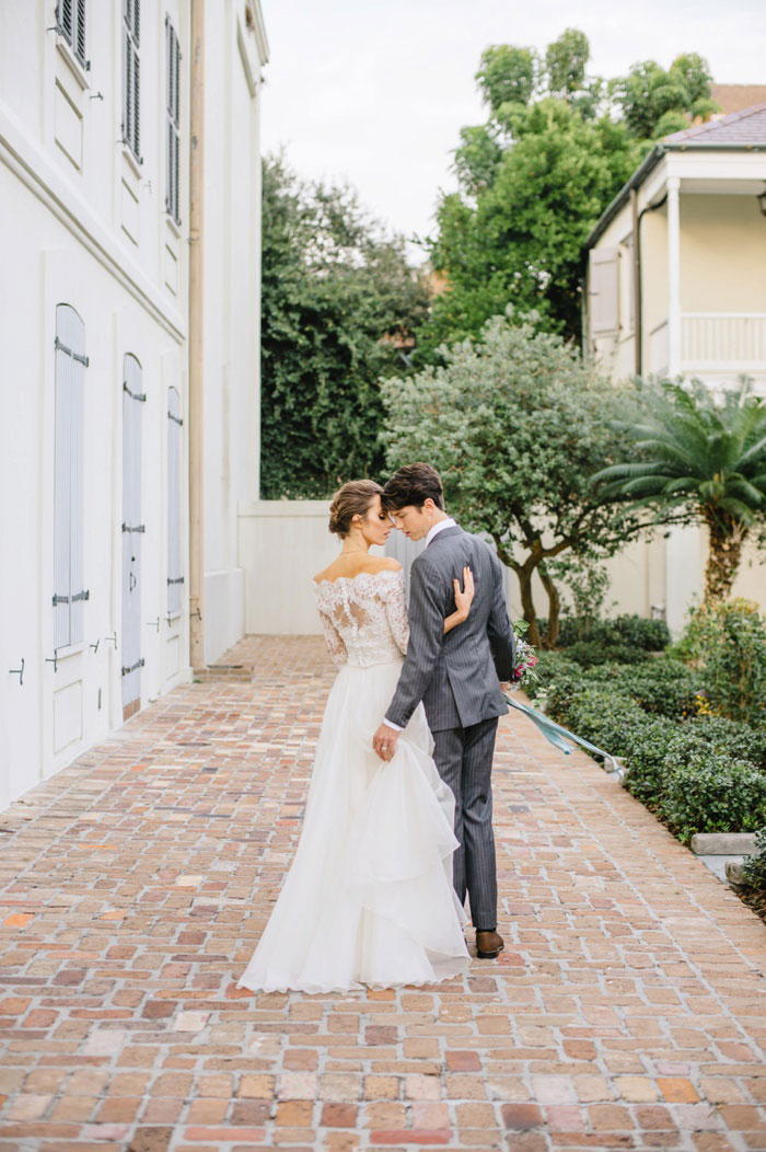 french-quarter-new-orleans-romantic-old-world-lavender-wedding-inspiration42