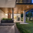 House with Screens by ADX Architects (10)