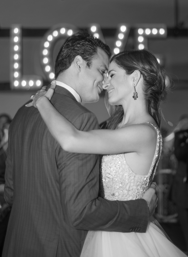 32-bride-groom-first-dance-love-marquee-sign