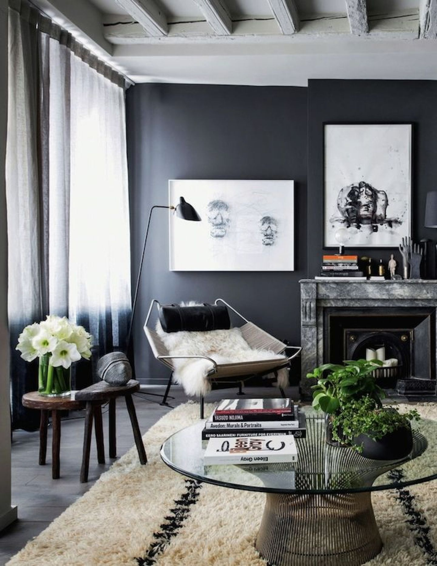Black Living Room Ideas for Your Inspiration Black Living Room Ideas for your inspiration Black Living Room Ideas for your inspiration Black Living Room Ideas for Your Inspiration 08