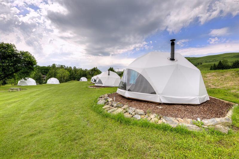 Glamping Domes (12)