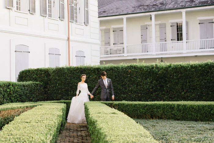 french-quarter-new-orleans-romantic-old-world-lavender-wedding-inspiration28