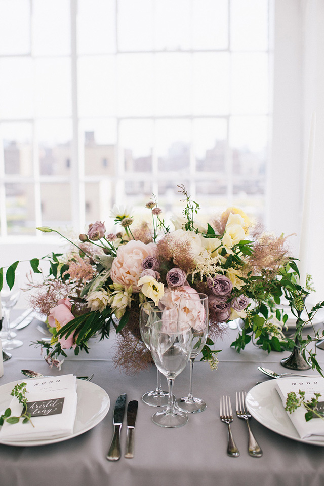 9-purple-tablescape-florals