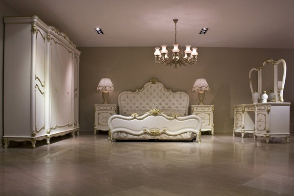 Color-white-classic-bedroom-photo