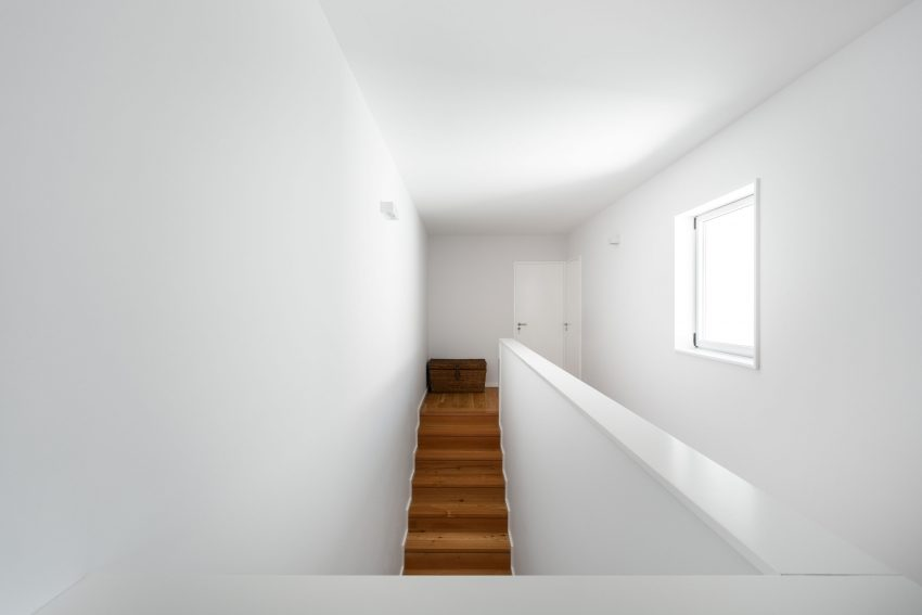 House in Matosinhos by nu.ma (26)