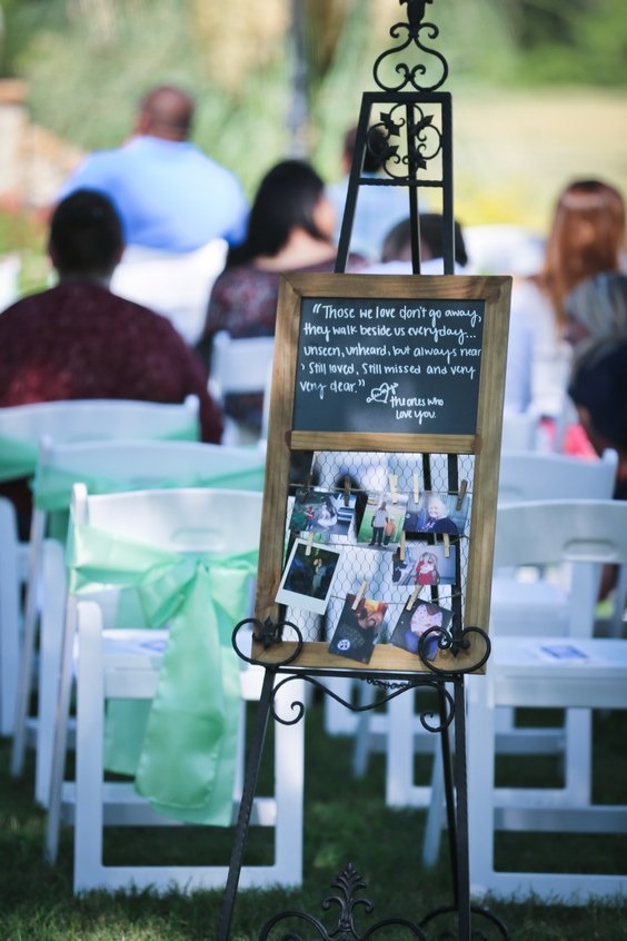 honoring loved ones wedding decor idea