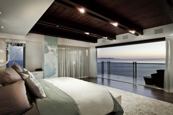 12-bedroom-interior-design-with-ocean-sea-view-panoramic-windows-bed