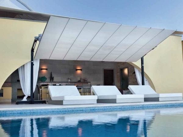 Sunscreen awning awning swiveling roof