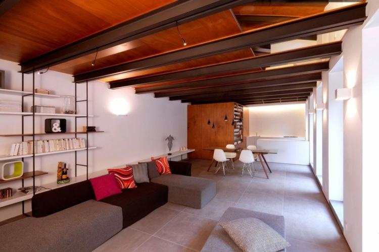 Tiles-in-large-format-living-room-ceiling-steel-beams