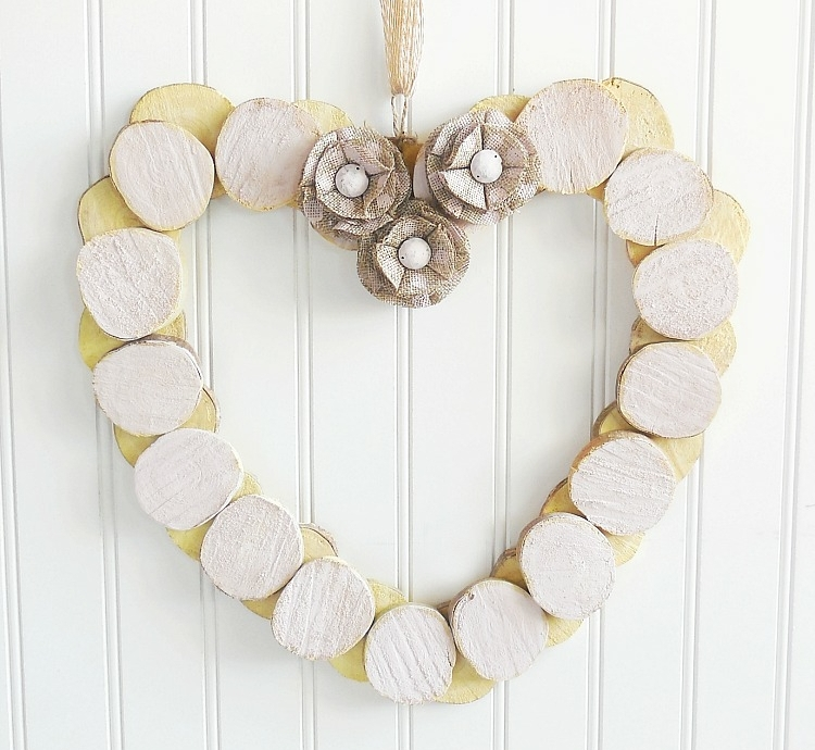 decoration wood disks wreath heart vintage blüten lines