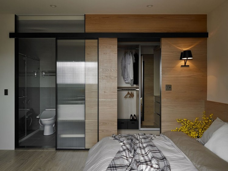 timber-cladding-inside-bedroom-bath-accessible-wardrobe
