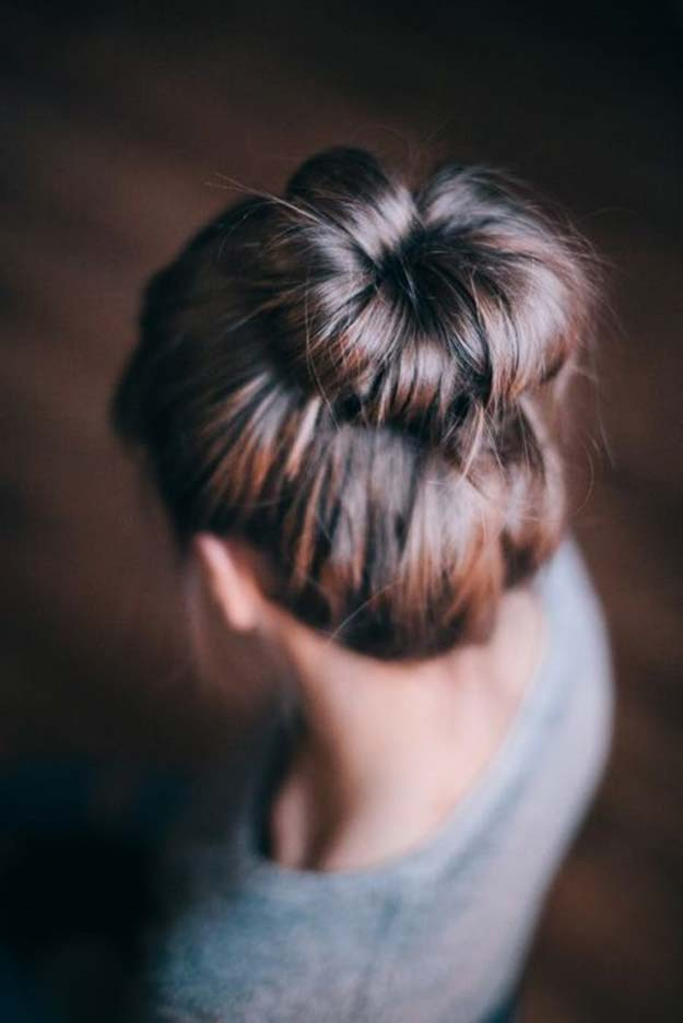 Cool and Easy DIY Hairstyles - Easy Buns Tutorial - Quick and Easy Ideas for Back to School Styles for Medium, Short and Long Hair - Fun Tips and Best Step by Step Tutorials for Teens, Prom, Weddings, Special Occasions and Work. Up dos, Braids, Top Knots and Buns, Super Summer Looks http://diyprojectsforteens.com/diy-cool-easy-hairstyles