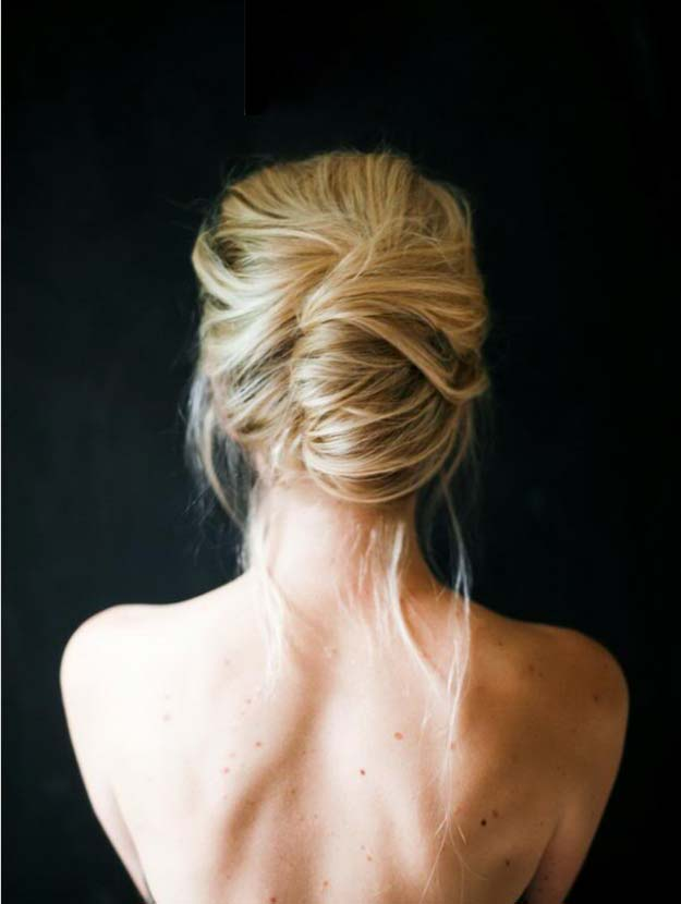 Cool and Easy DIY Hairstyles - Messy French Twist - Quick and Easy Ideas for Back to School Styles for Medium, Short and Long Hair - Fun Tips and Best Step by Step Tutorials for Teens, Prom, Weddings, Special Occasions and Work. Up dos, Braids, Top Knots and Buns, Super Summer Looks http://diyprojectsforteens.com/diy-cool-easy-hairstyles